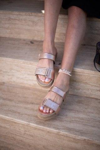 Kadın Taşlı Sandalet CC ALTIN CİLT