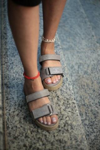 Kadın Taşlı Sandalet CC GRİ SÜET